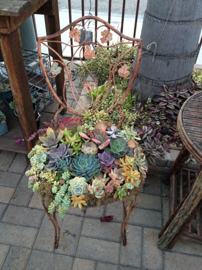 recycled-furniture-garden-12__700