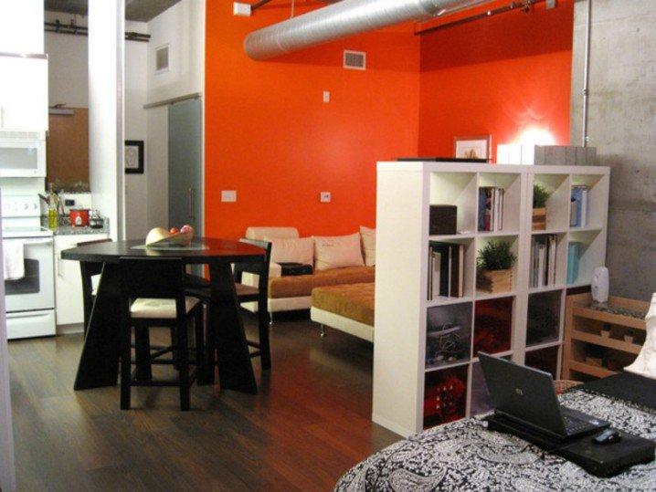 small-apartment-living-room-furniture-GAuwlRaC-718x539