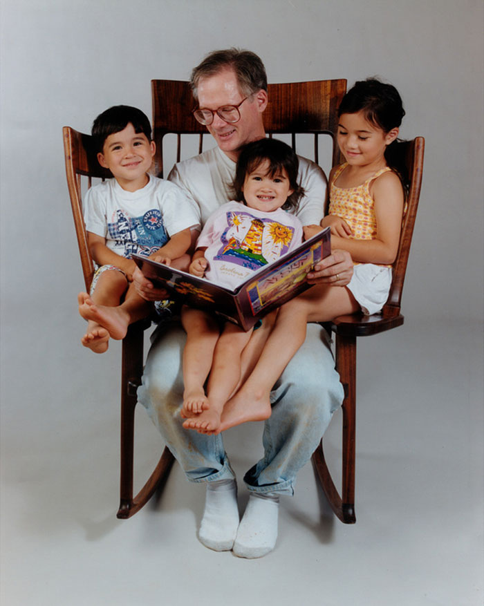 AD-Storytime-Rocking-Chair-02